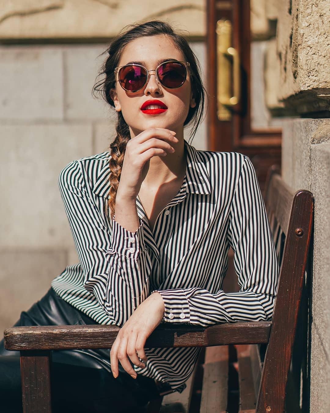 Užijte si slunečný podzim se stylovými modely brýlí #michaelkors️ , které pořídíte exkluzivně v naší optice se slevou 15% a ještě si vychutnáte skleničku prosecca k tomu!  . #vasecocky #optika #slunecnibryle #sunglasses #dnesnosim