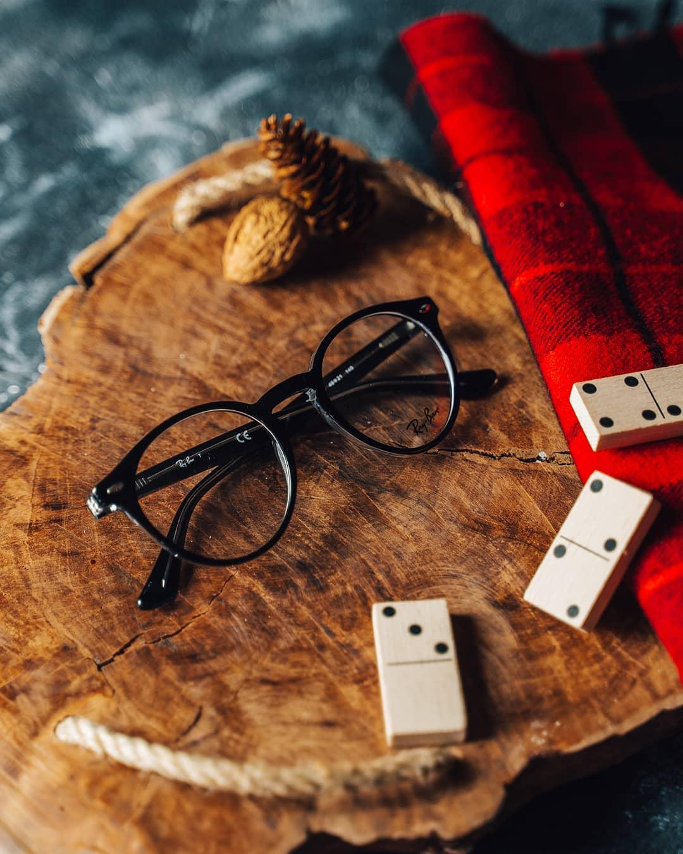 Rafinované a nadčasové, to jsou dioptrické brýle #Rayban. Ideální volba pro ty, co hledají brýle, které nikdy nevyjdou z módy. Necháte se zlákat? . . . . . #vasecocky #dioptrickebryle #novebryle #dnesnosim #eyeweartrends #instaglasses #glassesfashion #glassesstyle #prescriptionglasses #opticalframes #eyewearlover #fashioneyewear