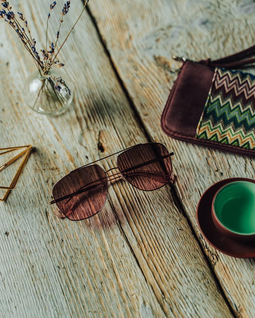 Retro tvary, barevné detaily, elegance a sofistikovanost, to jsou sluneční brýle #MarcJacobs   Nejste si jistí, který model je pro Vás ten pravý? Teď si je na našem webu můžete vyzkoušet virtuálně. . . . . . #vasecocky #sunglasses #slunecnibryle #virtualmirror #sunglassesfashion #sunglasseslover #eyeweartrends #instaglasses #eyeweardesign #eyewearlover #glassesstyle #fashioneyewear #fashioninspiration