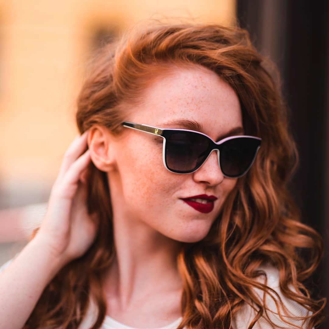 Sluneční dny přicházejí. Jste na ně připraveni? . . . . #CarolinaHerrera #vasecocky #slunecnibryle #sunglasses #sunnies #sunglassesfashion #sunglasseslover #eyewearfashion #eyeweartrends #fashioneyewear #fashioninspiration #sunglassestrends