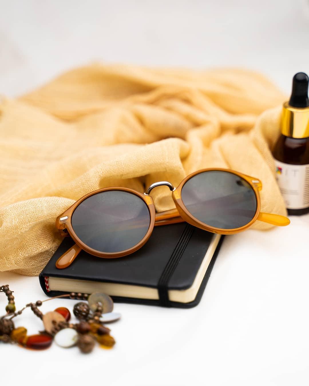 Hledáte trendy sluneční brýle, které budou zároveň šetrné k životnímu prostředí? V tom případě je nová #Meller Bio-based kolekce pro vás to pravé! . . . . #slunecnibryle #vasecocky #biobased #sunglasses #sunglassesfashion #sunglasseslover #sunglassestrends #sunnies #fashioneyewear #fashioninspiration
